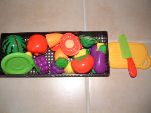 P80 Cutting play fruits and vegetables